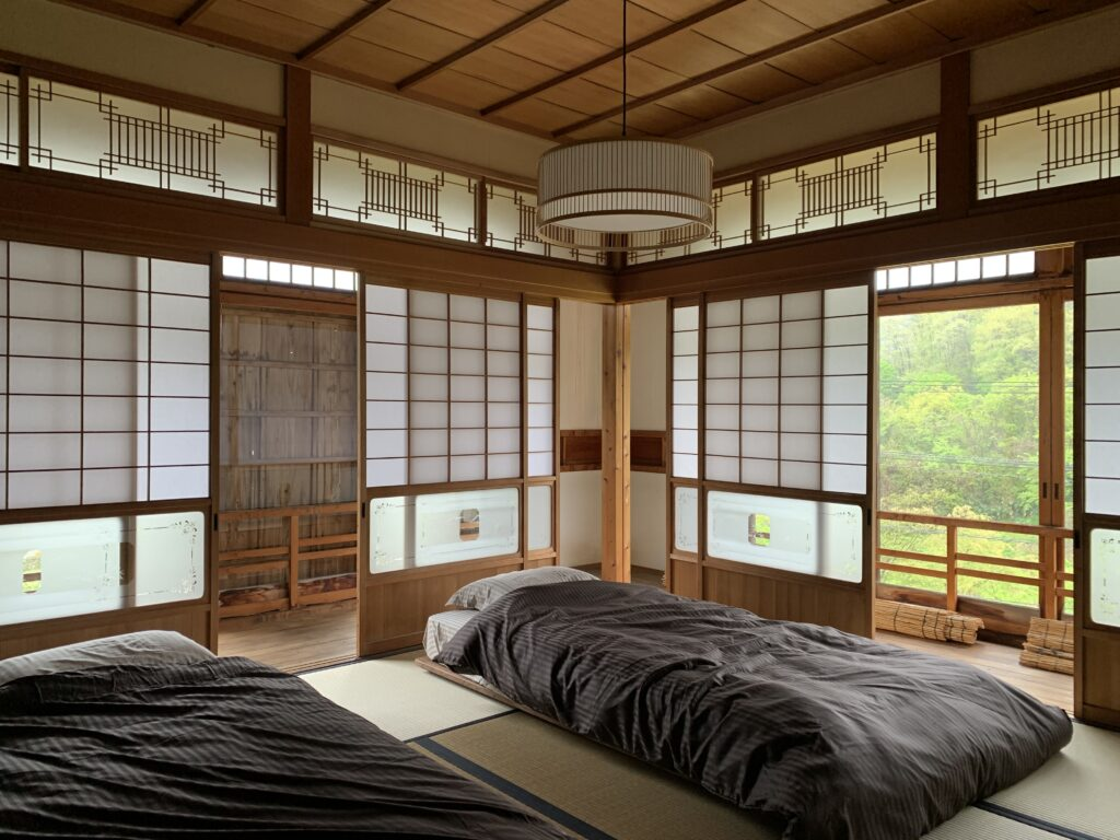 島根県 SANBESAPCE 寝室1